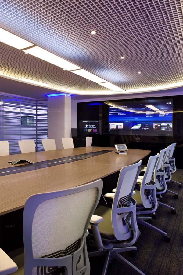 """Редизайн офісу IBM в стилі """"Гості з майбутнього"""". Фото 8"""