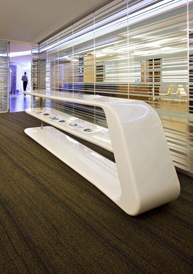 """Редизайн офісу IBM в стилі """"Гості з майбутнього"""". Фото 10"""