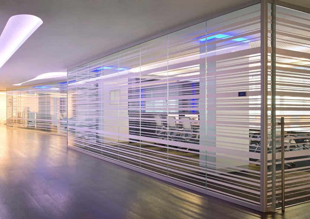 """Редизайн офісу IBM в стилі """"Гості з майбутнього"""". Фото 12"""