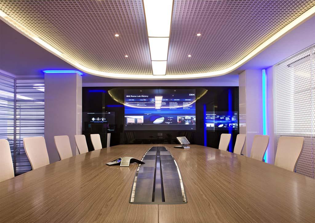 """Редизайн офісу IBM в стилі """"Гості з майбутнього"""". Фото 2"""