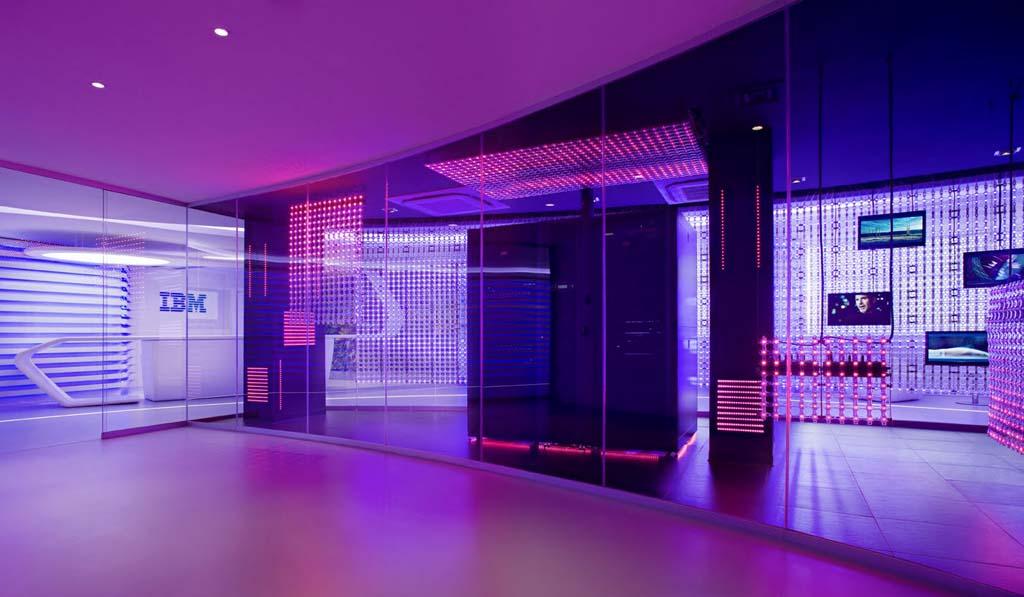 """Редизайн офісу IBM в стилі """"Гості з майбутнього"""". Фото 5"""