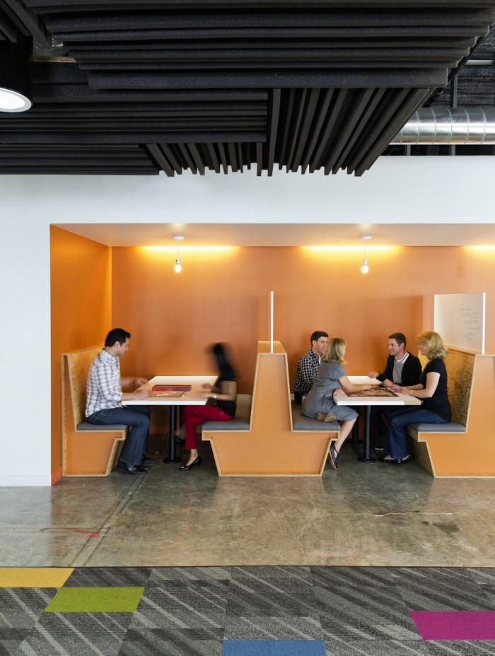 Всередині офісу Facebook - найбільшої соціальної мережі світу. Фото 11