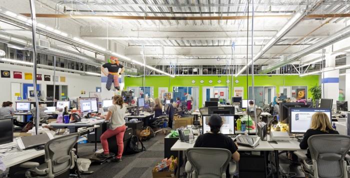 Всередині офісу Facebook - найбільшої соціальної мережі світу. Фото 9