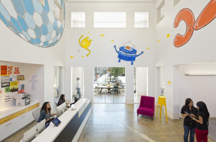 Всередині офісу Facebook - найбільшої соціальної мережі світу. Фото 2