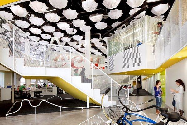Grupo Gallegos Office - креативний офіс в приміщенні колишнього кінотеатру.. Фото 1