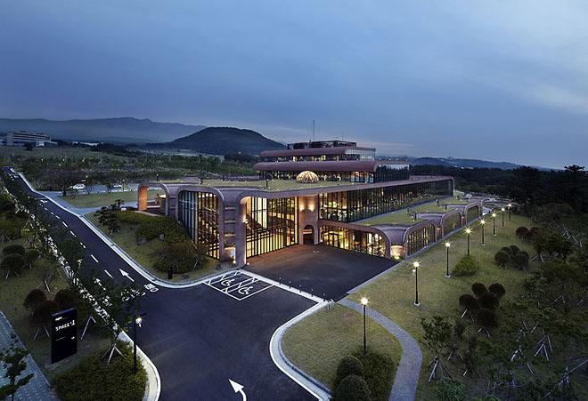 Центральний офіс IT-компанії Daum на острові Чеджу.. Фото 6