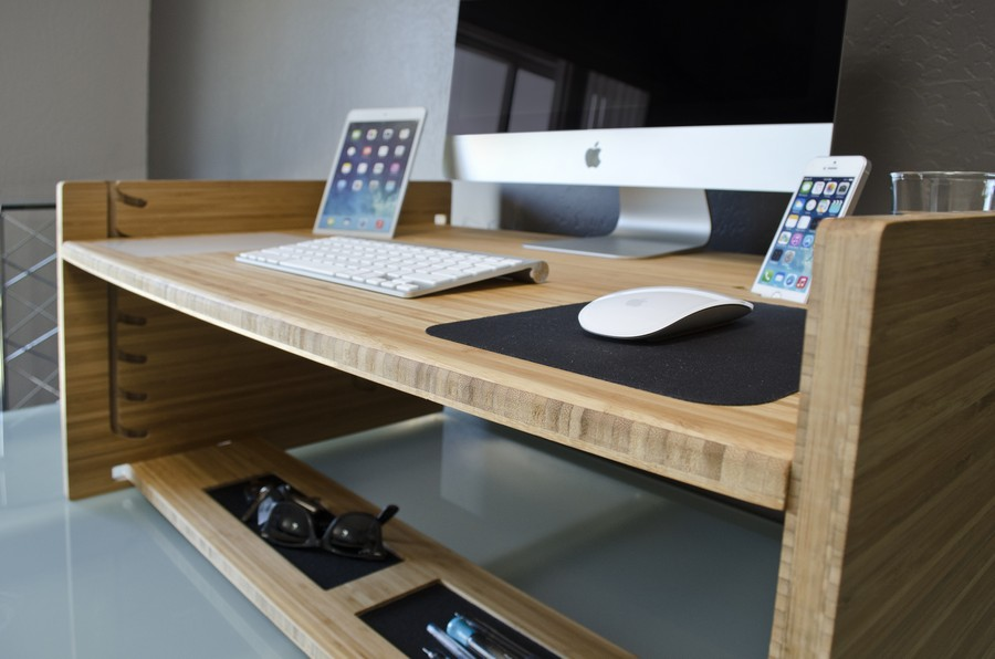 Стіл, за яким можна працювати стоячи. Фото 6