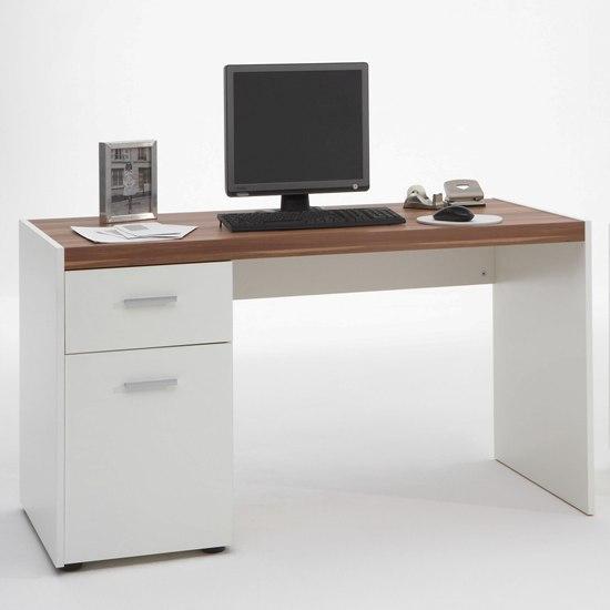 Як вибрати комп'ютерний стіл для себе